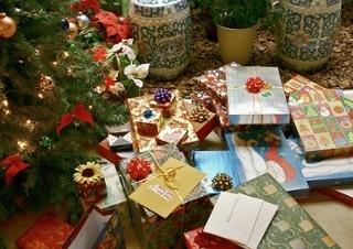 Gifts_xmas.jpg