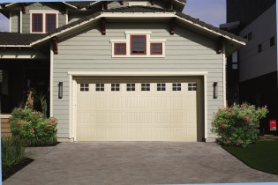 vinyl-garage-door-durafirm-MAIN-model.jpg
